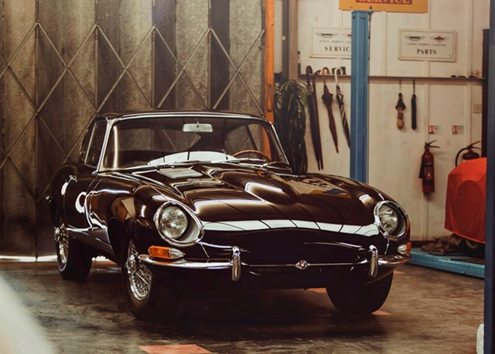 Lot 138 - 1962 Jaguar E-Type Series I Fixedhead Coupé