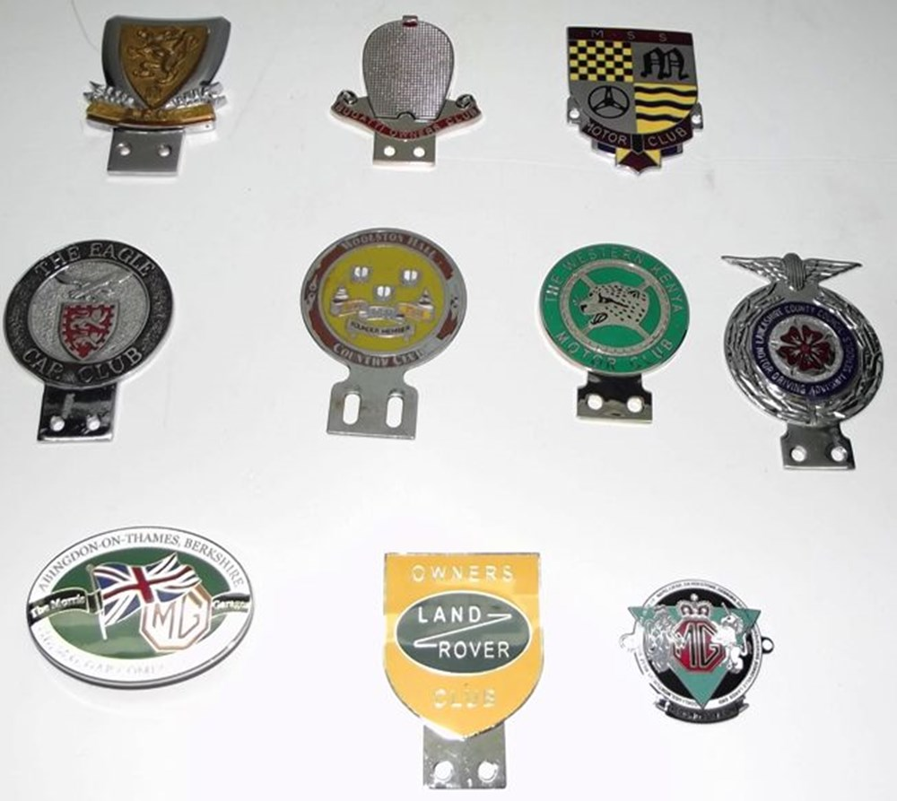 Lot 021 - Ten motoring badges