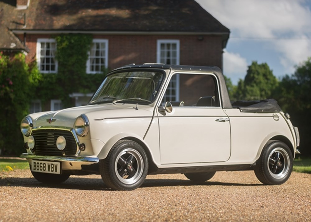 Lot 128 - 1984 Mini Mayfair Convertible