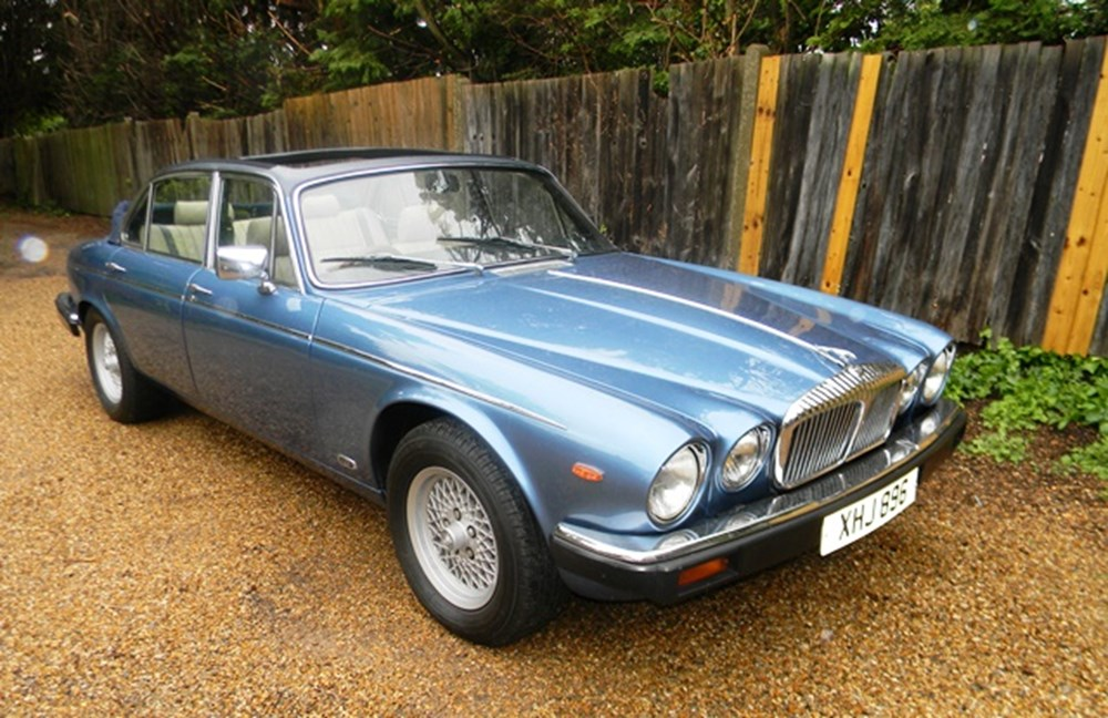 Lot 128 - 1978 Daimler Sovereign Convertible (Long wheelbase)