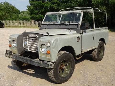 Ref 135 1972 Land Rover 90 Series II Soft-top