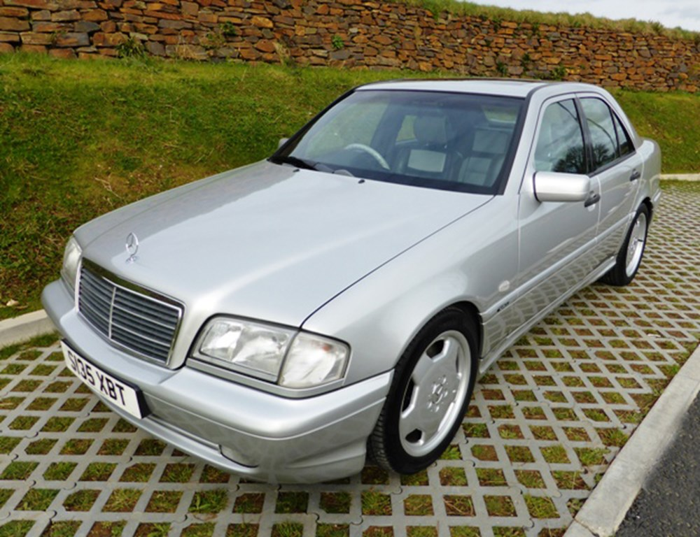 Lot 106 - 1998 Mercedes-Benz C 43 AMG