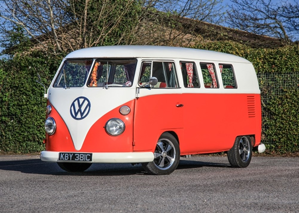 Lot 213 - 1965 Volkswagen Split-Screen Camper Type 2