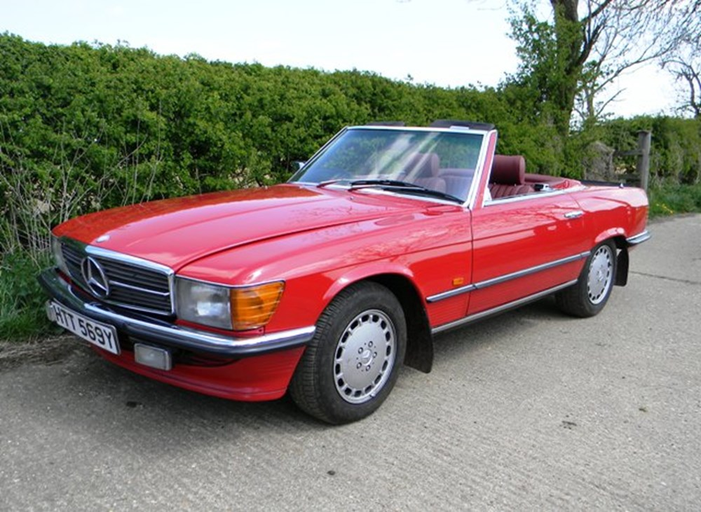 Lot 388 - 1983 Mercedes-Benz 300SL