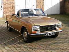Navigate to Lot 295 - 1974 13022 304 Convertible