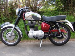 Navigate to Lot 372 - 1960 Royal Enfield 350cc Bullet