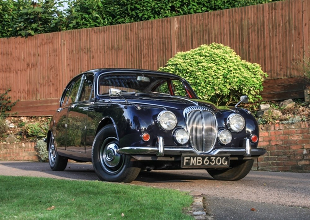 Lot 214 - 1968 Daimler 250 Saloon (V8)