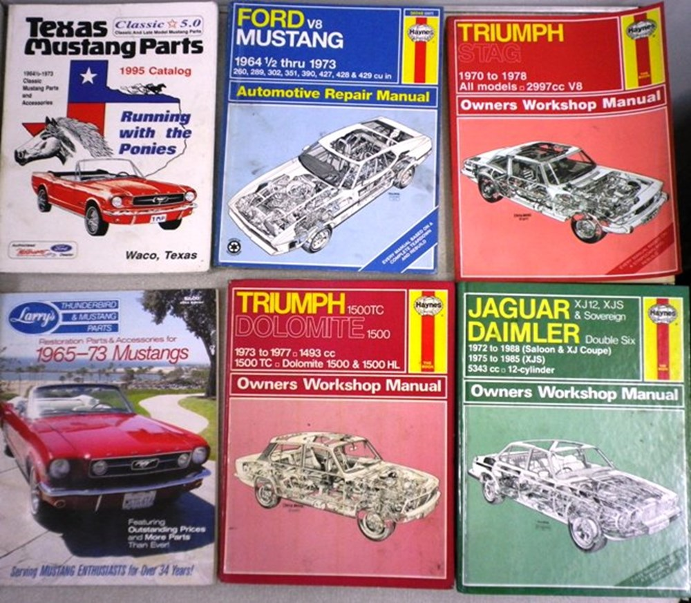 Lot 85 - Vehicle manuals