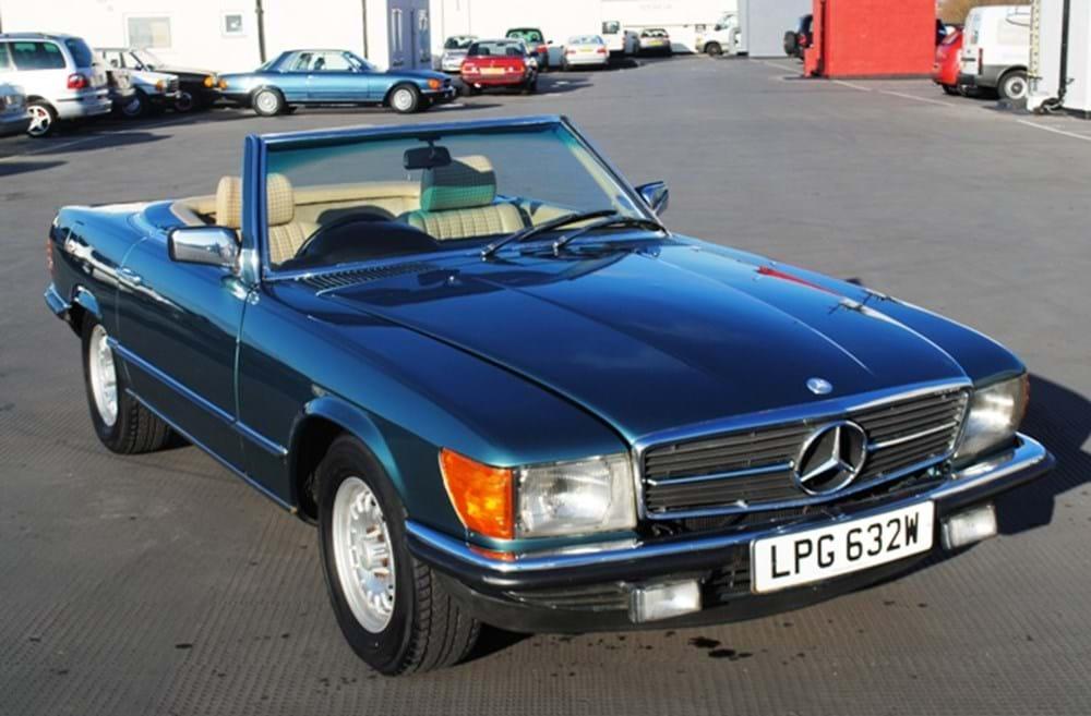 Mercedes benz 380sl classic sports car auctioneers for Mercedes benz classic car center