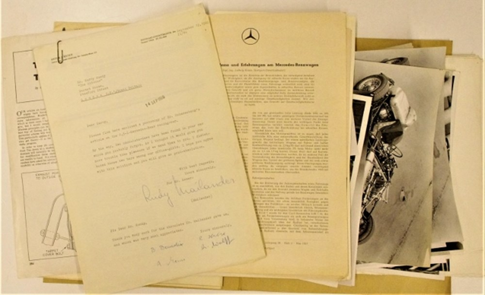 Lot 78. - Mercedes-Benz paperwork.