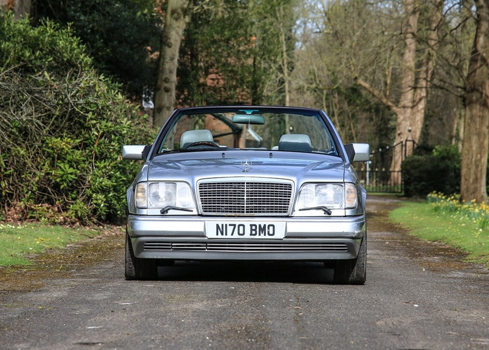 Lot 254 - 1988 Mercedes-Benz E320 Cabriolet