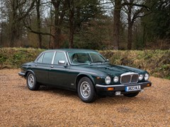 Navigate to Lot 187 - 1992 Daimler Double-Six (Series III)