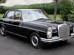 Navigate to Lot 226 - 1966 Mercedes-Benz 250 S