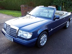 Navigate to Lot 208 - 1993 Mercedes-Benz 320CE Cabriolet