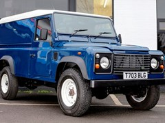 Navigate to Lot 214 - 1999 Land Rover Defender 110 Td5