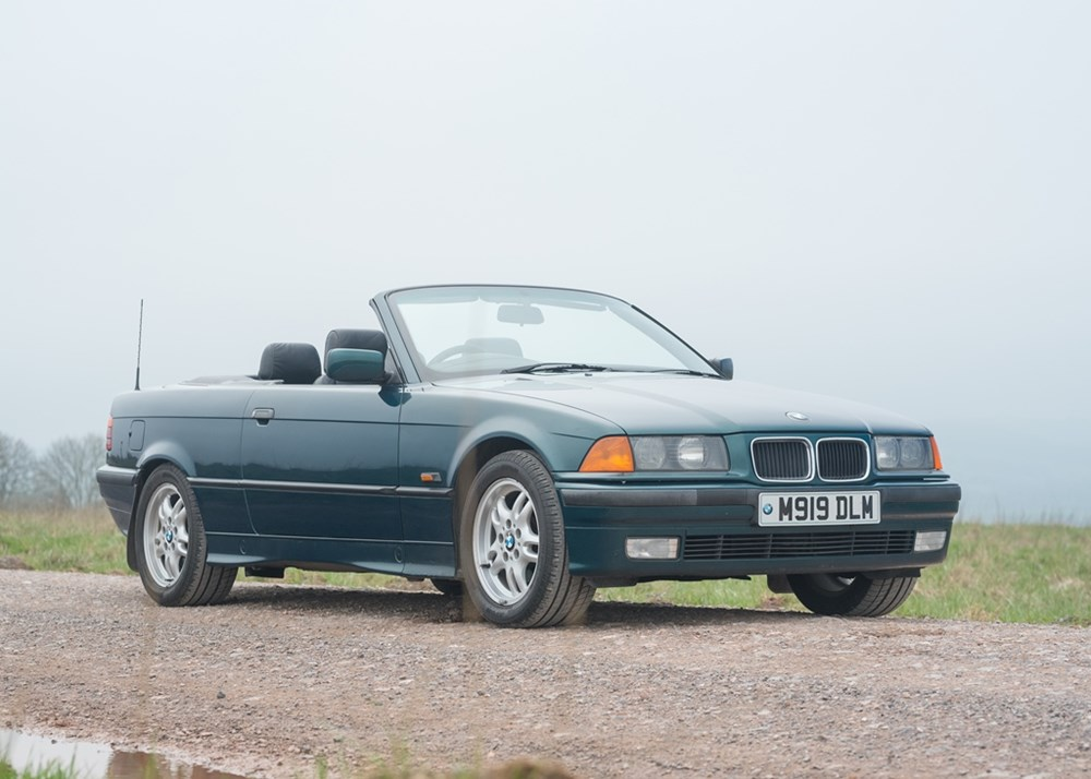 Lot 267 - 1995 BMW 328i Convertible
