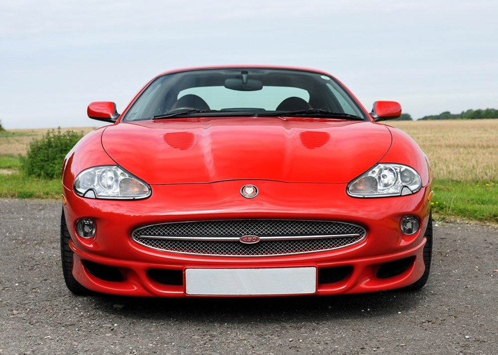 Lot 142 - 1999 Jaguar XKR