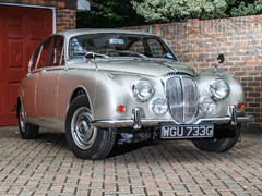 Navigate to Lot 107 - 1968 Daimler 250 Saloon (V8)