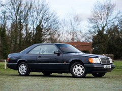 Navigate to Lot 358 - 1993 Mercedes-Benz 220 CE
