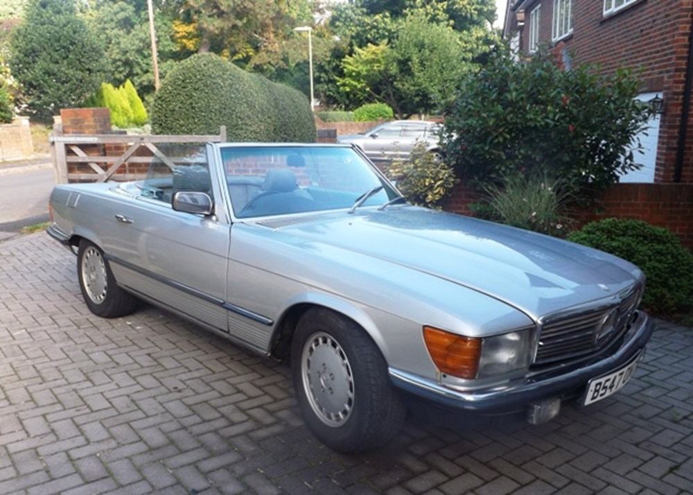 Lot 327 - 1984 12987 280SL Roadster