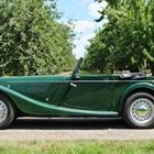Morgan Plus 4 Drophead Coupe (green) -