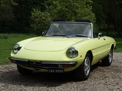 Navigate to Lot 226 - 1972 Alfa Romeo 2000 Spider