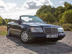 Navigate to Lot 123 - 1993 Mercedes-Benz E220 Sportline Convertible