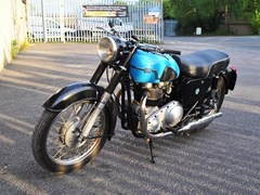 Navigate to Lot 321 - 1960 AJS Model 31 De Luxe (646cc)