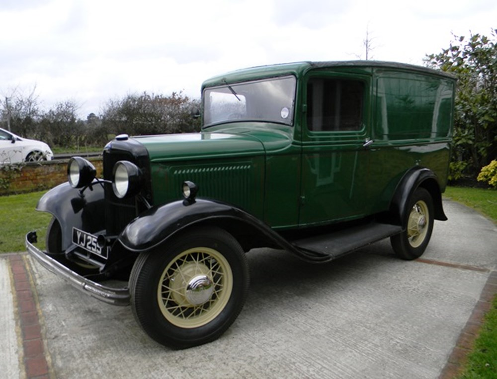Lot 273 - 1932 12918 Model B Bakers Van