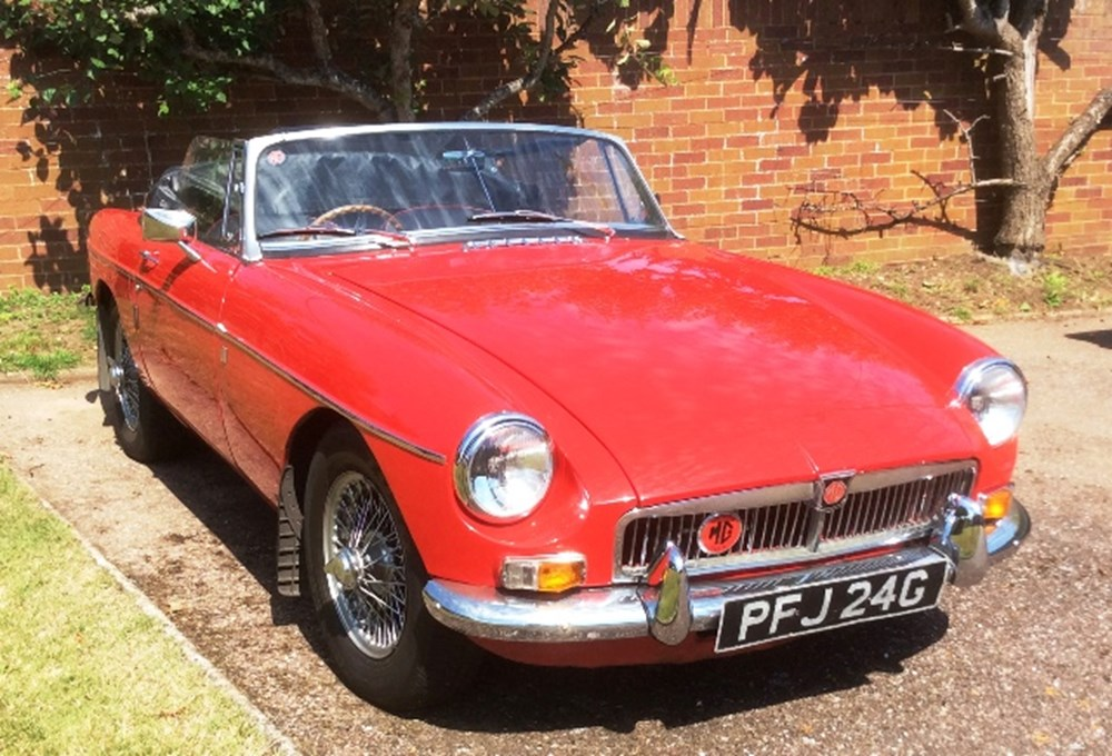 Lot 309 - 1968 MG B Roadster