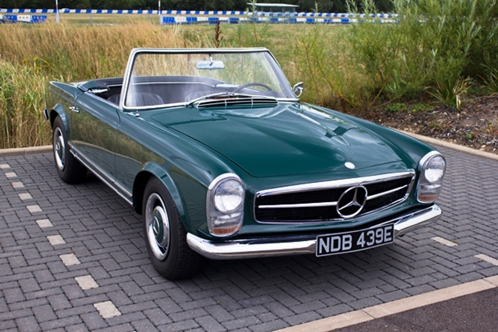 Lot 284 - 1967 Mercedes-Benz 230 SL Pagoda