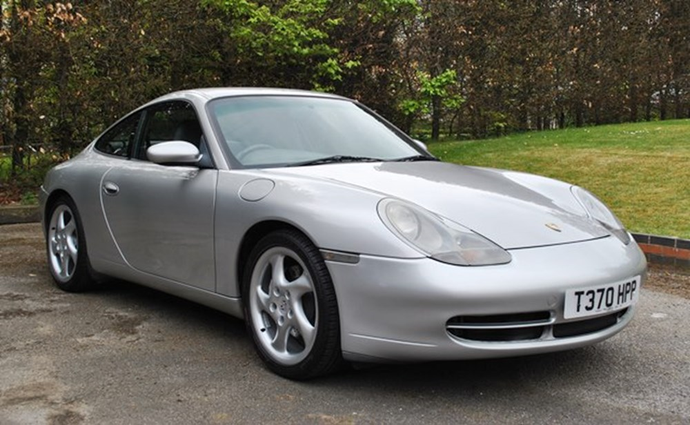 Lot 271 - 1999 Porsche 996 Carrera 4 Coupé