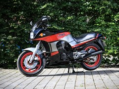 Navigate to Lot 109 - 1986 Kawasaki GPZ 900 R