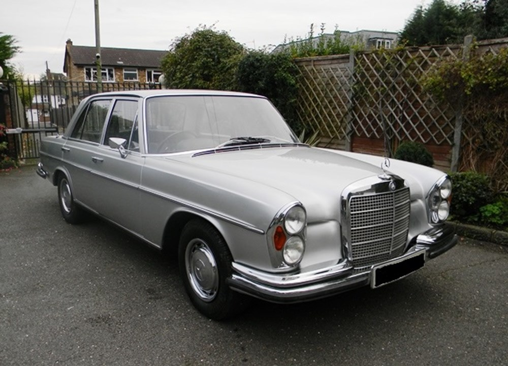 Lot 213 - 1972 Mercedes-Benz 280SE Saloon (3.5 litre)
