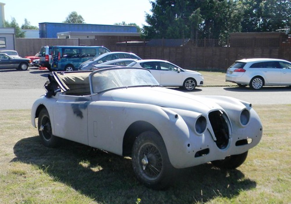 Lot 280 - 1960 12947 XK150SE Drophead Coupé Restoration