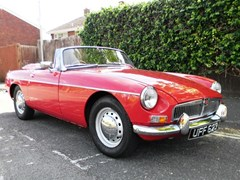 Navigate to Lot 301 - 1963 MG B Roadster