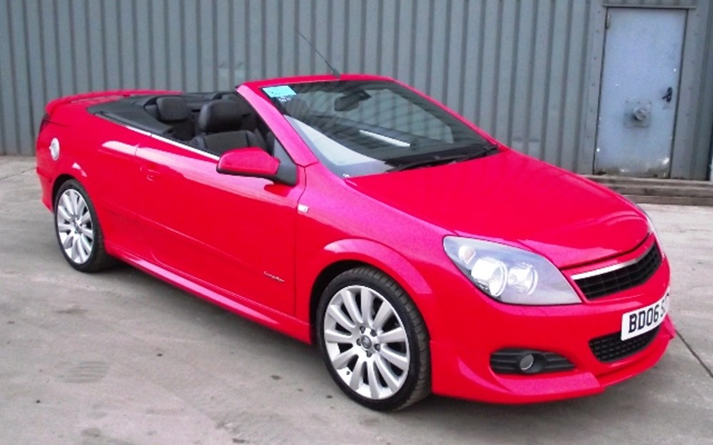 Lot 312 - 2006 Vauxhall Astra Twin Top Convertible *UNDER OFFER*