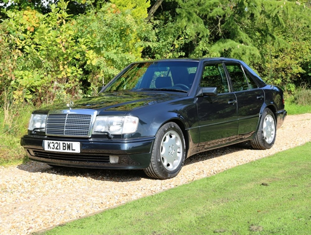 Lot 285 - 1992 Mercedes-Benz 500E Saloon