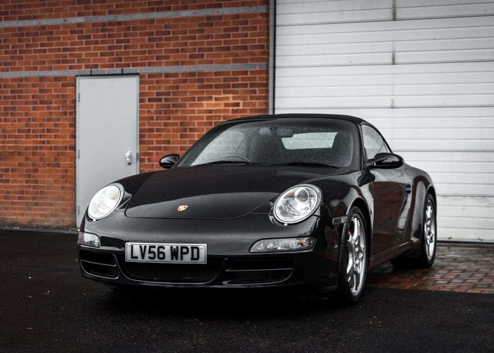 Lot 319 - 2006 Porsche 911 / 997 Carrera 2S Convertible