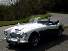 Navigate to Lot 47 - 1965 Austin-Healey 3000 MK111 BJ8