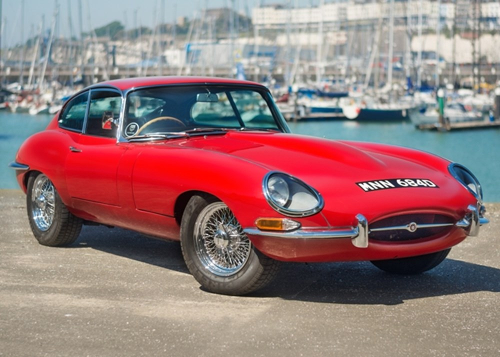 Lot 126 - 1966 Jaguar  E-Type Series I Fixedhead Coupé (4.2 litre)