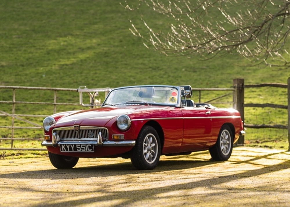 Lot 351 - 1965 MG B Roadster