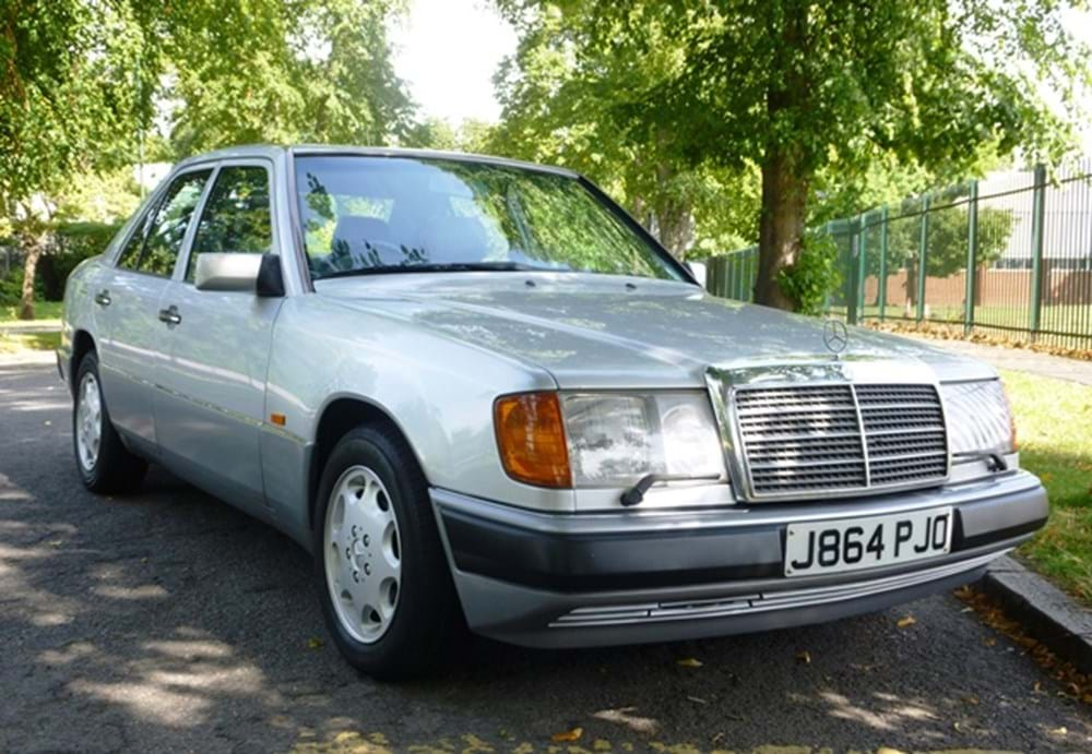 Lot 151 - 1992 Mercedes-Benz 260E