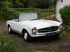 Navigate to Lot 235 - 1967 Mercedes-Benz 250 SL Pagoda