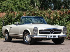 Navigate to Lot 195 - 1971 Mercedes-Benz 280 SL Pagoda