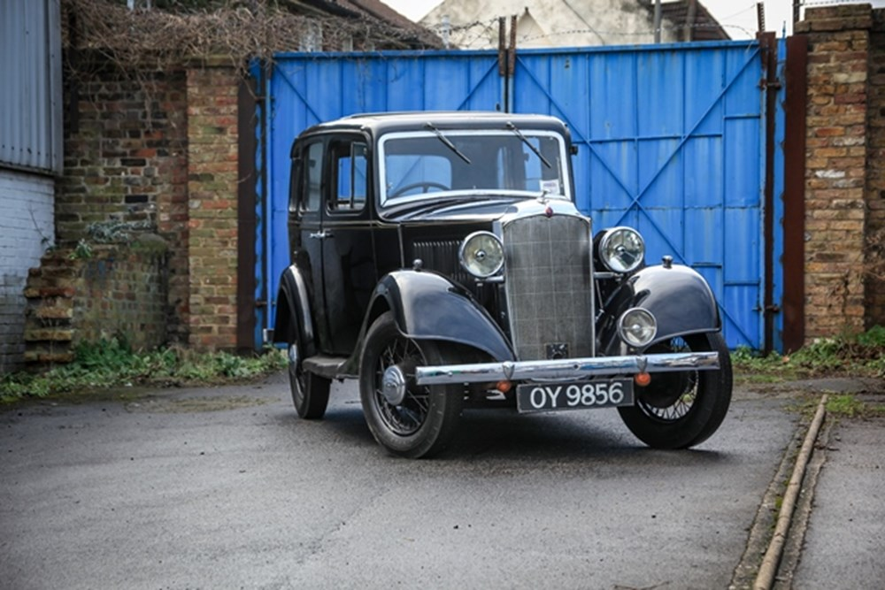 Lot 110 - 1934 Vauxhall 14 Light Six Saloon