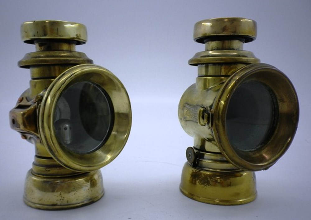 Lot 77 - 'King of the Road' oil side-lamps