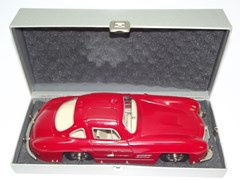 Navigate to Marklin Mercedes-Benz 300 SL model