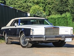 Navigate to Lot 245 - 1979 Lincoln Continental Mk. V 'The Bill Blass Edition'