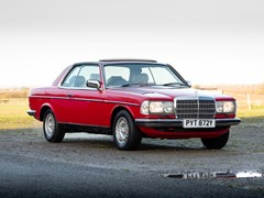 Navigate to Lot 270 - 1983 Mercedes-Benz 280 CE (W123)